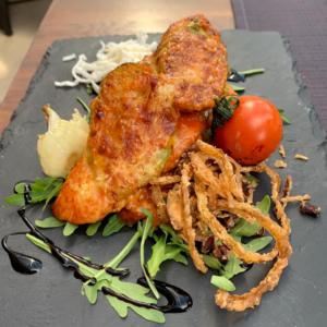 parmigiana de pui cu dovlecel parmezan si sos pomodoro k10 restaurant satu mare