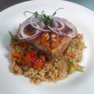 piept de porc crocant cu orez prajit k10 restaurant satu mare