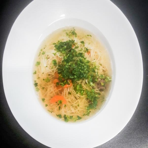 Supă de vită cu tăiței