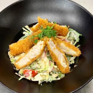 salata cu pui crocant k10 restaurant satu mare